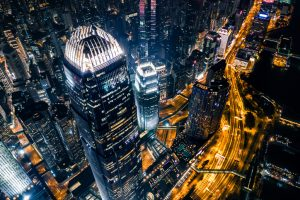 背靠14亿市场 面朝全球 香港地位如何撼动?